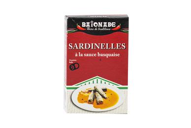 Sardinelles à la sauce basquaise